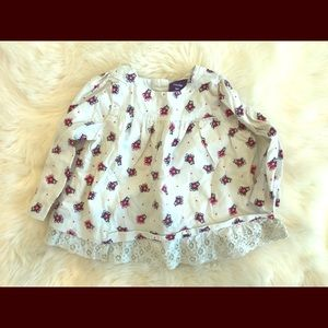 Baby gap lace edge top